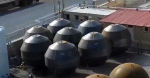 Tvorba guľových nádrží pomocou výbušnín