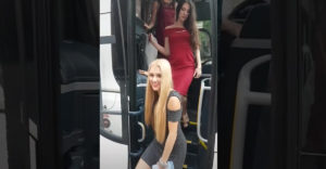 Príchod austrálskeho kriketového tímu do Londýna (Najšťastnejší autobusár)