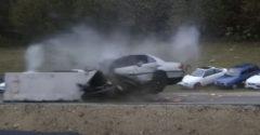 Čo sa stane s autom pri náraze v rýchlosti 200 km/h