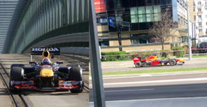 Bratislavou sa preháňal monopost F1. Za volantom sedel známy jazdec