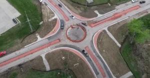 Keď v meste postavia prvý kruhový objazd (Amerikánsky chaos)