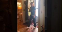 Muž prekvapil svoju polovičku po návrate s ťažkej službe (Anti romantik)