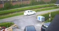 Na úzkej ceste predviedla dokonalý uhýbací manéver (Auto vs. kamión)