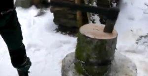 Ako nasekať peň bez toho, aby uletovali kusy dreva (Zlepšovák roka)