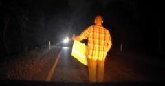 Čo robiť, keď na ceste zbadáš neosvetleného cyklistu